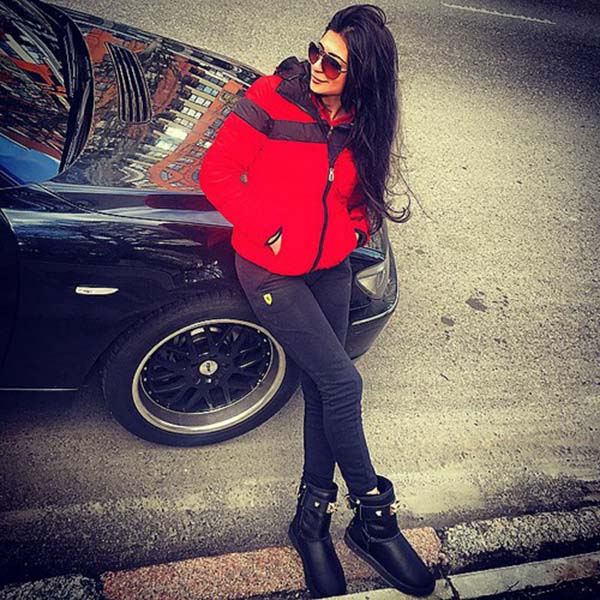 Fashion girl with car