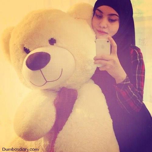 arab girl with teady bear dp