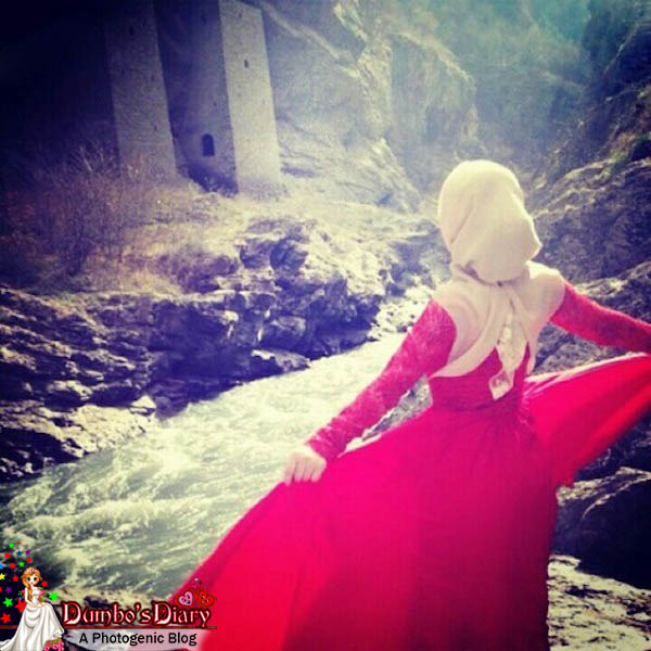 Hijabi-girl-in-red-dress